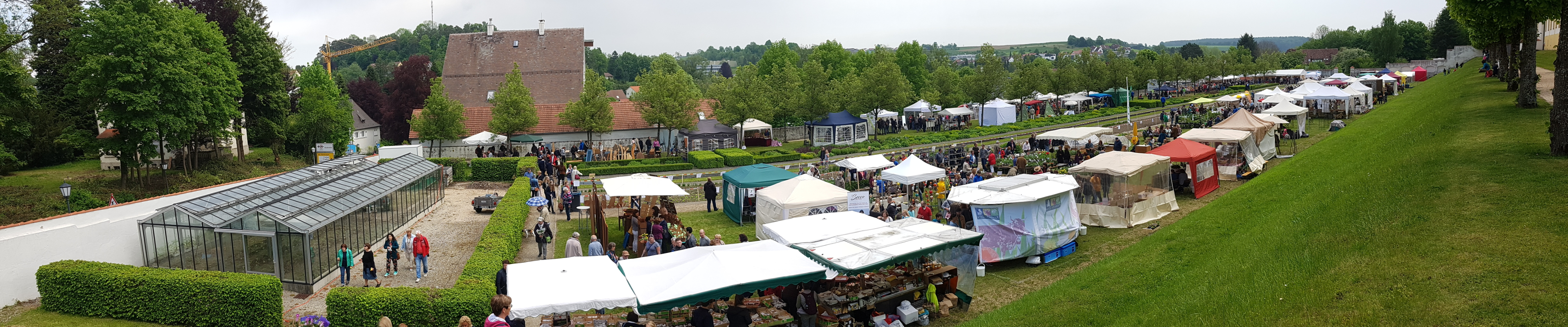 Kräuterfest im Konventgarten des Klosters Ochsenhausen